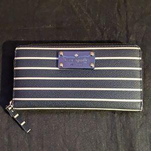 kate spade Bags - Kate Spade Tote NavyBlue w/White Stripes w/ wallet
